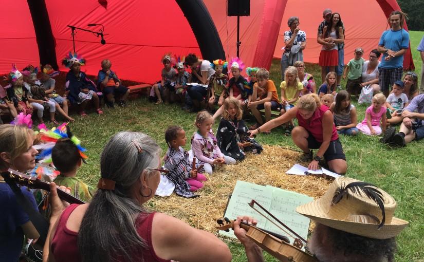 Sommerfest mit Segnung der Bauwägen im Waldkindergarten