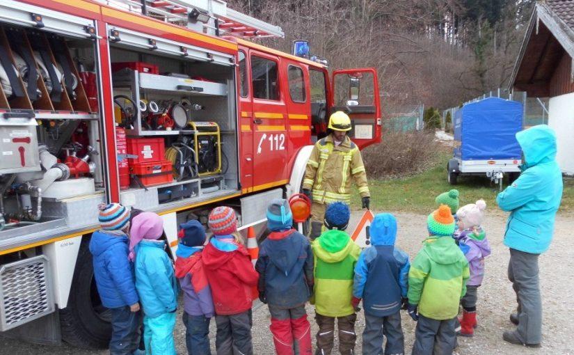 Feuerwehrübung mit Wurzelkindern