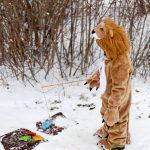 Löwe_beim_Angeln